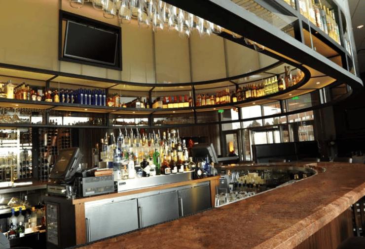 Why bar and restaurant designers choose perlick back bar for Equipement bar restaurant